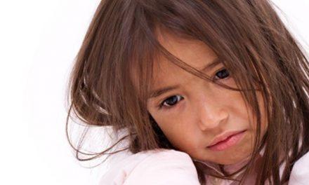 ¿Qué harías si encontraras a una niña de 6 años sola en la calle? Mirá el video