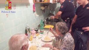 comiendo-prepararon-Facebook-Policia-Roma_CLAIMA20160809_0076_28