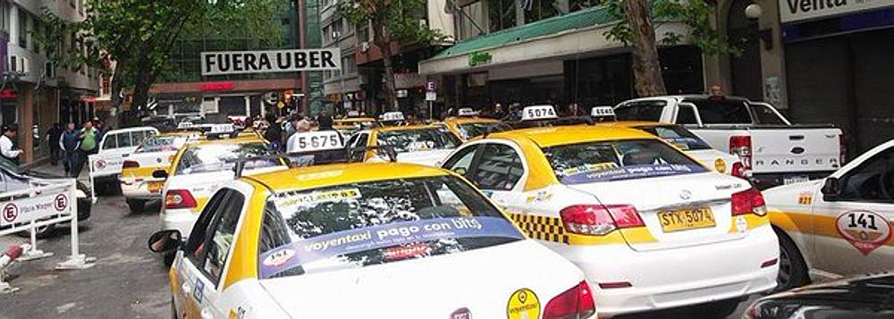 Taxistas paran por UBER, que no para de aumentar su mercado en Uruguay