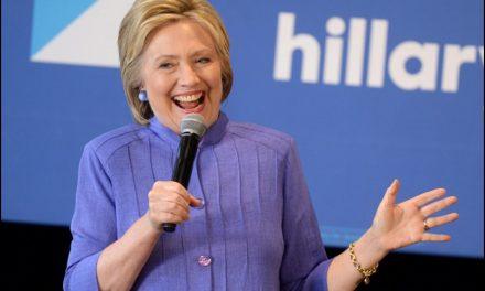 Hillary con un ataque de tos de 4 minutos en plena campaña