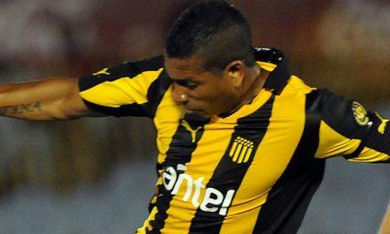Peñarol entrenó con Freitas en la oncena titular
