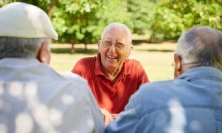 Oír bien, clave para los adultos mayores