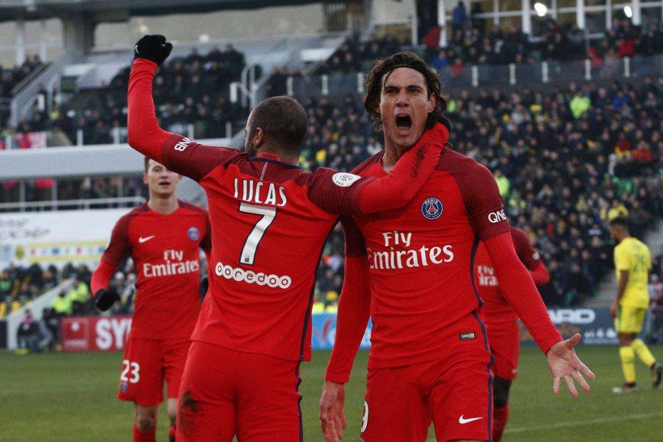Dos goles de Cavani para la victoria del PSG sobre Nantes