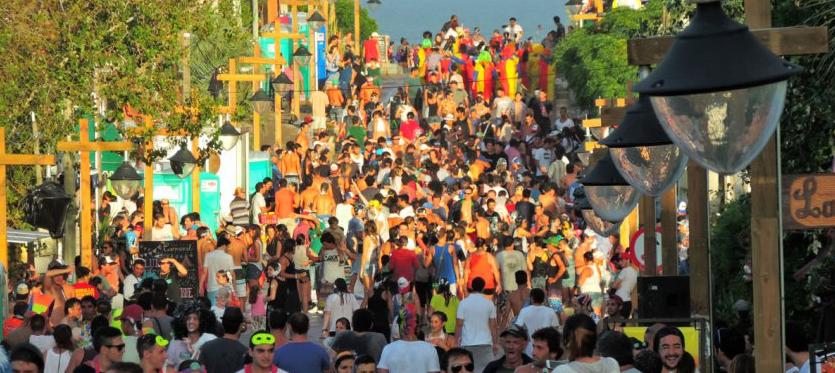 """""""Solo a algunos vecinos de La Pedrera no les gusta el carnaval. Otros están chochos"""""""