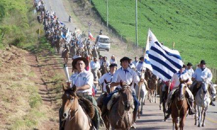 """Más de mil participantes en la marcha del """"Grito de Asencio"""""""