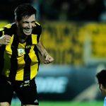 Affonso le da la victoria a Peñarol ante Atlético Tucumán
