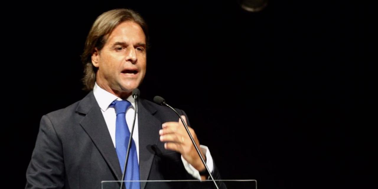 """Lacalle Pou: """"justifican déficit pero hay cinco mil uruguayos comiendo de la basura"""""""