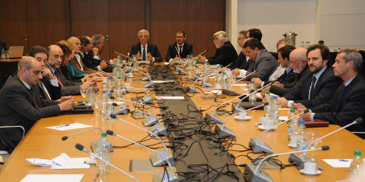 Legisladores admiten error en ley aprobada tras reuniones con presidente Vázquez