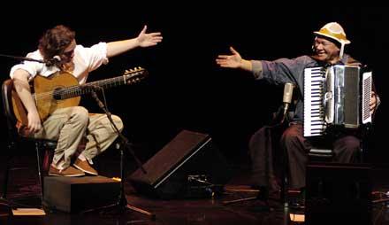 Yamandú y Dominginhos presentados en Su Cita Folklórica