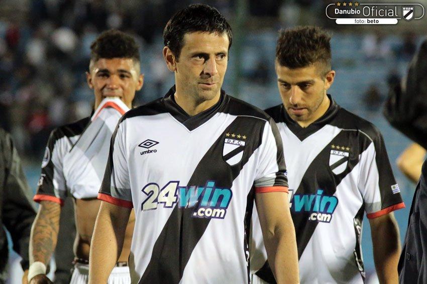 Gran partido de Danubio ante Sport Recife 3 a 0
