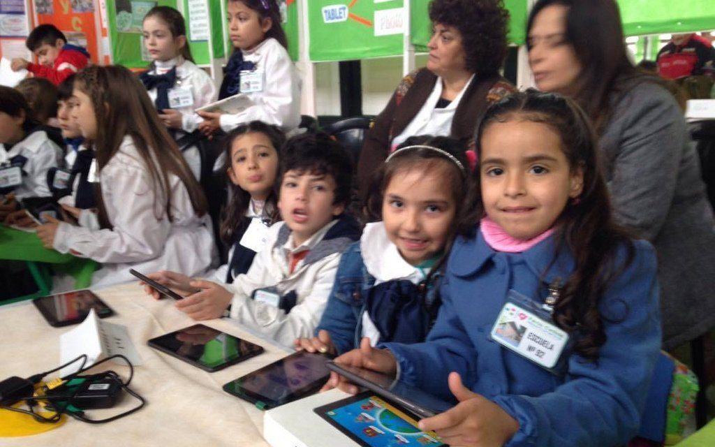 15 mil maestros trabajan a distancia mediante Plan Ceibal