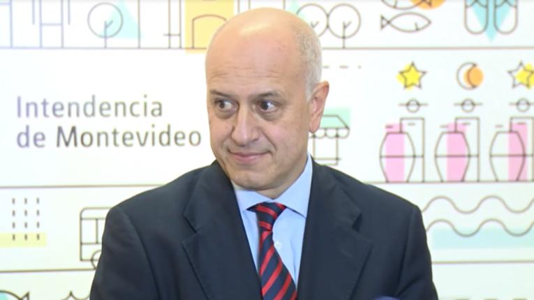 """""""Servicio de Limpieza tercerizado rinde 5 veces más y cuesta 30 % menos"""""""