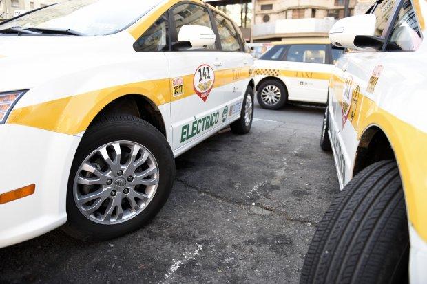 Taxistas en paro por agresión a un colega
