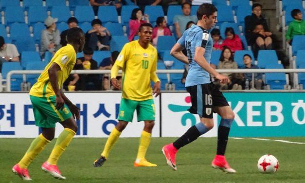 Uruguay ganó su grupo y espera rival para el miércoles