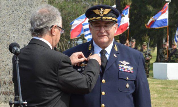 Comandante de la Fuerza Aérea coincide con el sancionado Manini Ríos
