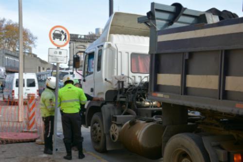 Comienza plan de mejora de la circulación de transporte con carga pesada por la zona de Arroyo Seco y La Aguada