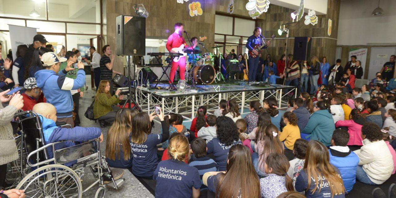 Fundación Telefónica Movistar celebró el Día del Niño en el Pereira Rossell