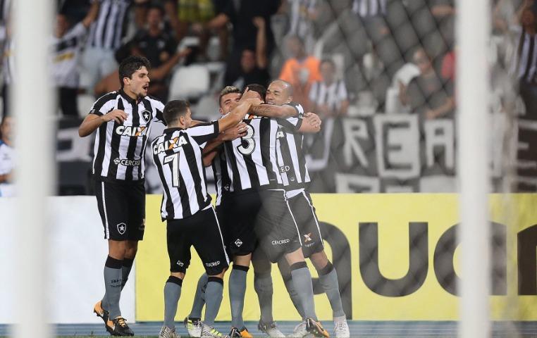 Cinco minutos y nada más: Botafogo a cuartos de final