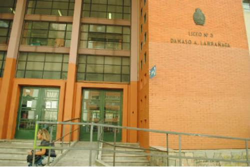 El lunes ocuparán el Liceo Dámaso Larrañaga