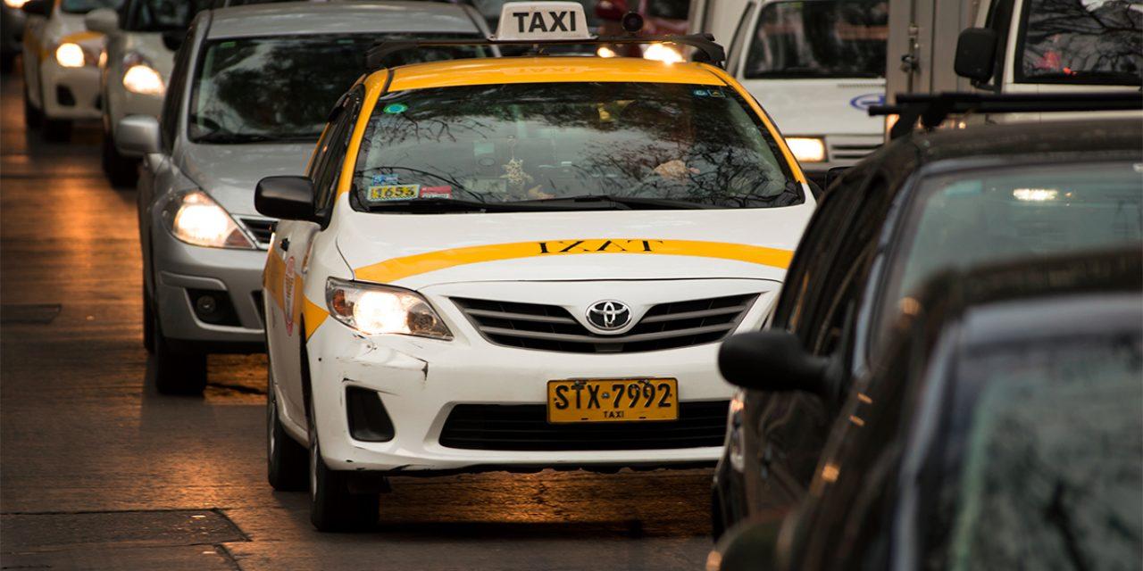 Patronal de Taxis pretende que la mampara sea de uso opcional