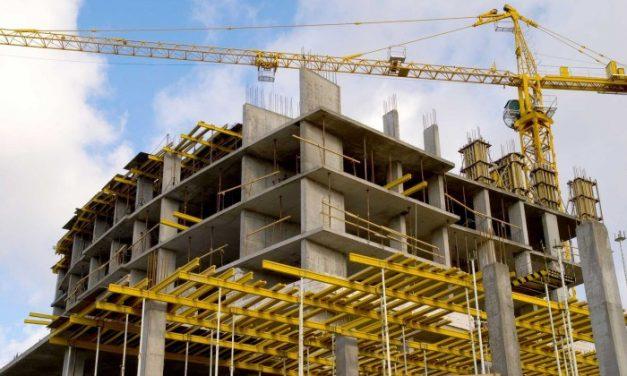 La construcción sigue en caída en obra pública y privada