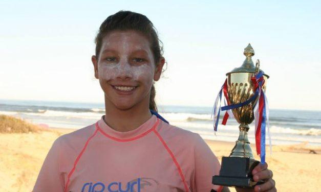 La joven que superó un grave accidente y llegó al Mundial de surf en Japón