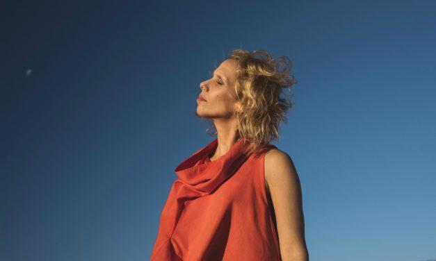 """Sara Sabah presenta """"La mar está en fortuna"""" adelanto de Arvolera"""