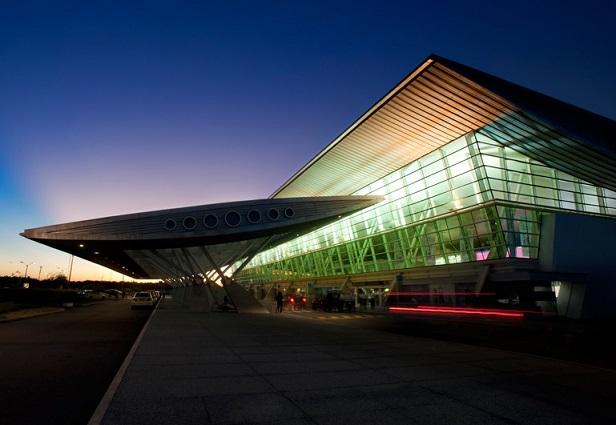 5 aerolíneas unirán en verano a Punta del Este con Argentina, Brasil y Chile