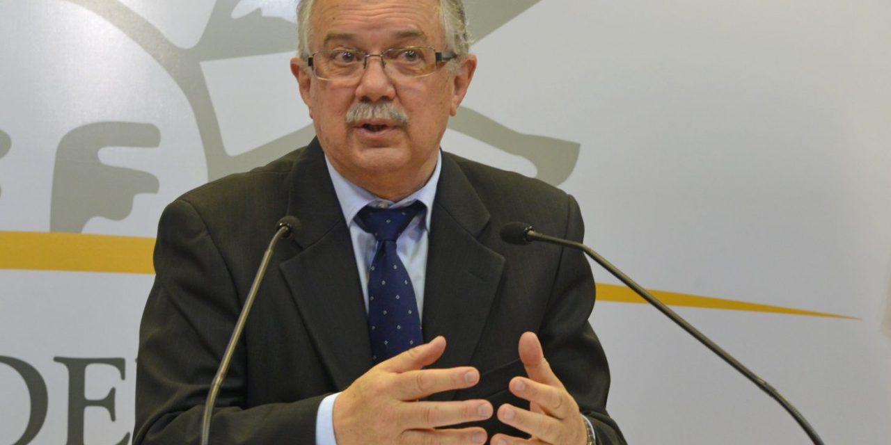 Vázquez firmó decreto sobre devolución de viáticos de jerarcas