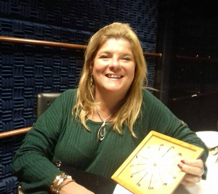 Susana Garbuyo y sus predicciones en CAFÉ DE NOCHE