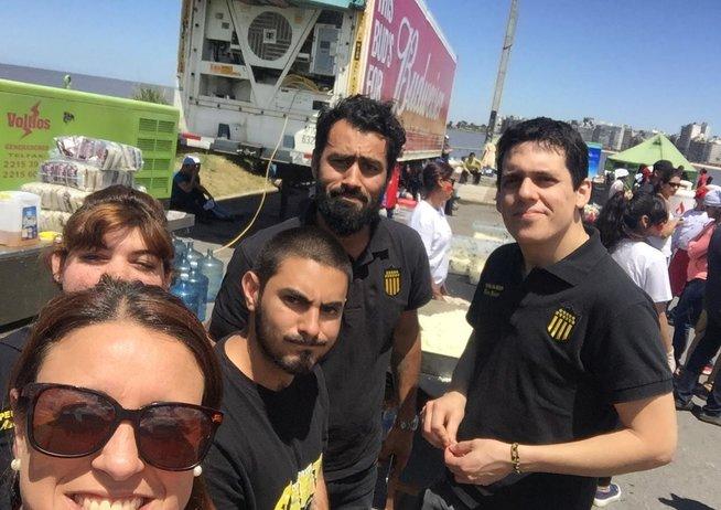 Actividades solidarias de la Peña de Peñarol en Sayago