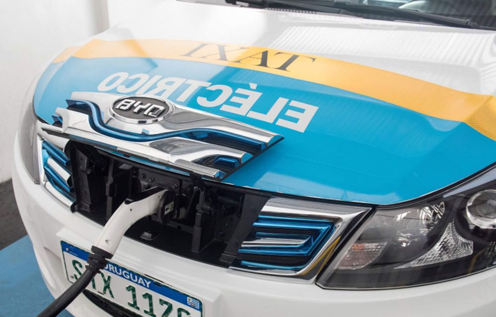 UTE avanza en estaciones de carga eléctrica para taxis