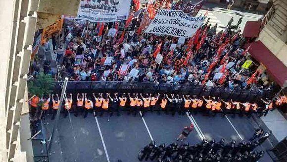 Congreso argentino: pedradas, represión y puñetazos (#-video)