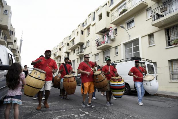 Entregaron 10 viviendas en Barrio Reus al Sur para reparar afrodescendientes