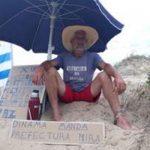 Un vecino inició una huelga de hambre y se encadenó de forma simbólica a una duna en Manantiales