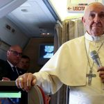 El Papa defendió al cuestionado obispo Barros sospechado de encubrir abusos
