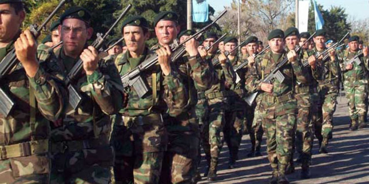 Mieres presentó proyecto que regula conducta del personal de las Fuerzas Armadas