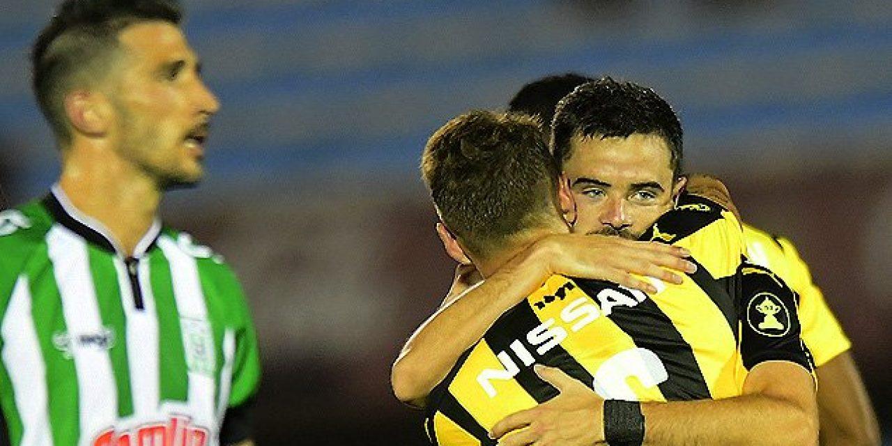 Peñarol venció 2 a 0 a Racing