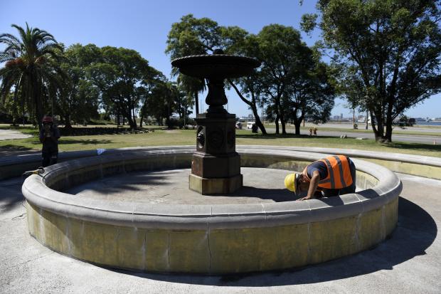 Cancha de baby fútbol altera el desarrollo de obras en Parque Capurro