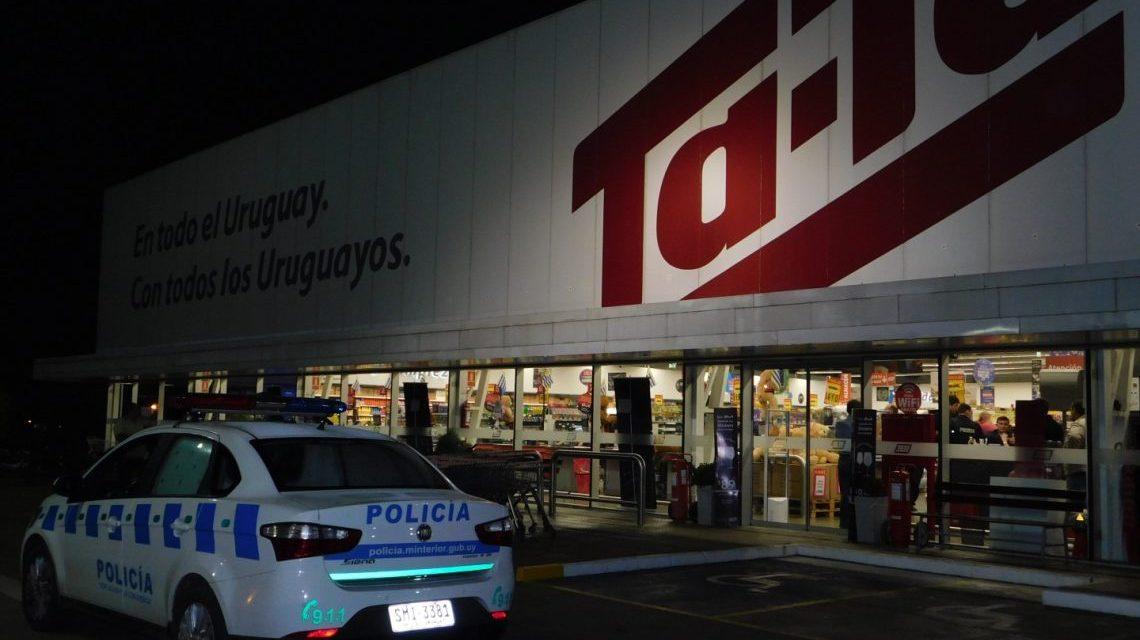 Policía frustró asalto a TATA de Salto. Tres detenidos y botín recuperado.