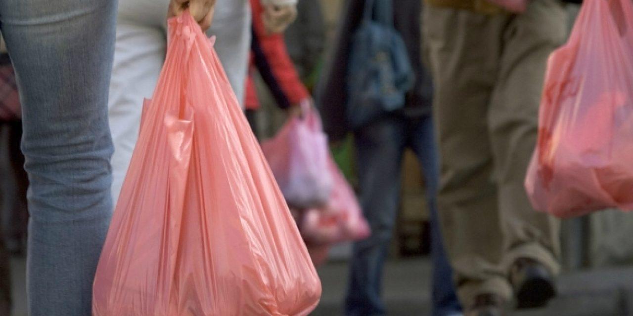 Las bolsas plásticas costarán $4