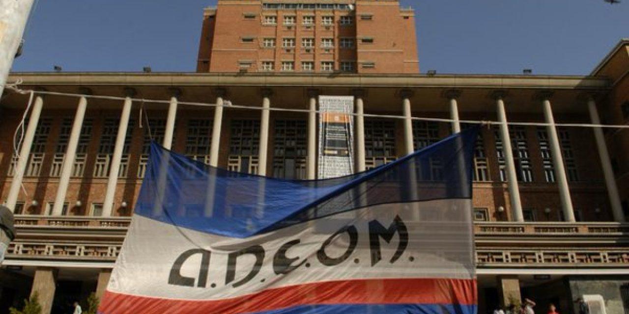 Adeom critica a Cosse por realizar anuncios sin aviso previo
