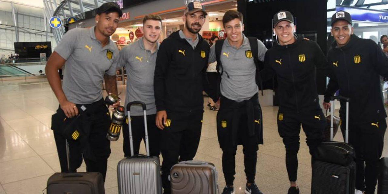 Peñarol viaja a Miami a realizar la pretemporada