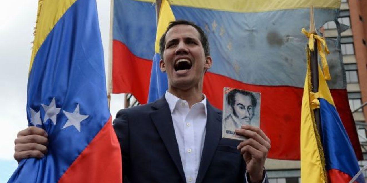 Guaidó denunció intención de mover cerca de 1.200 millones de dólares a Uruguay