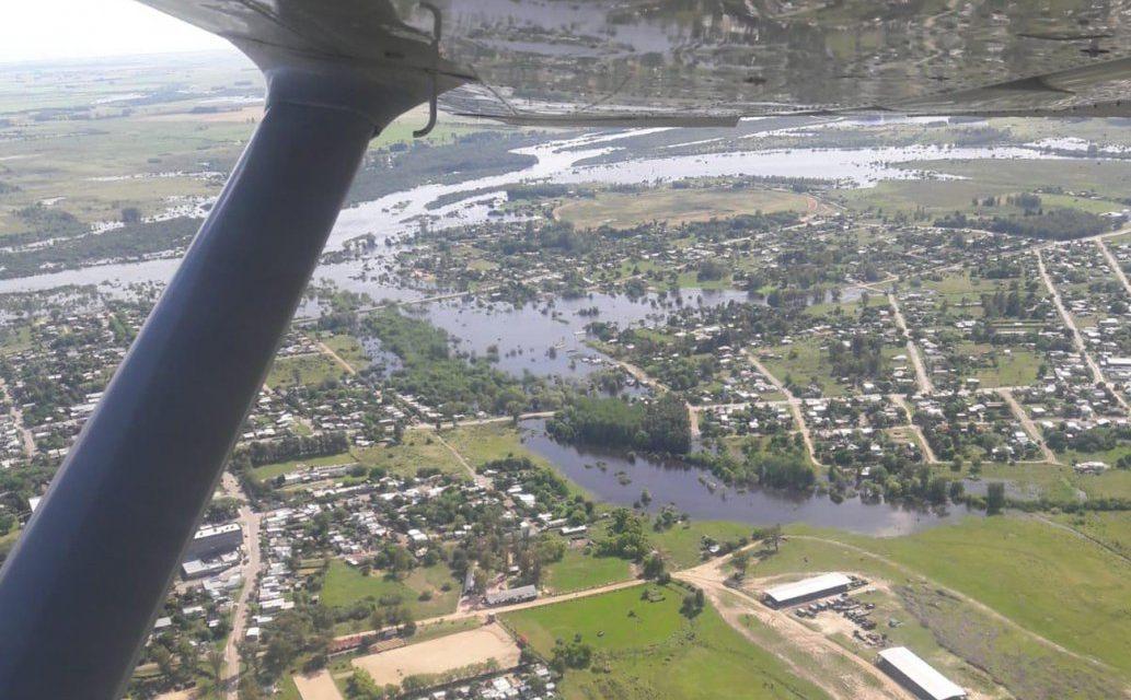 Más de 800 personas desplazadas por la crecida de ríos y arroyos