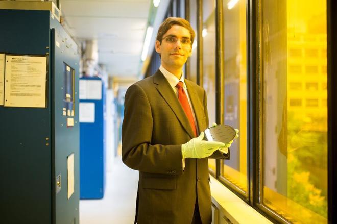 Científico español crea una antena capaz de convertir en electricidad la señal WiFi