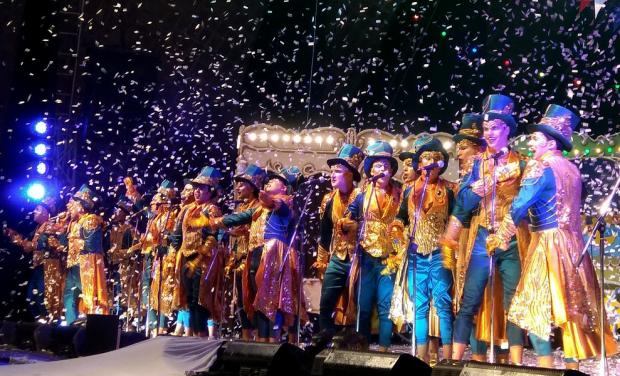Carnaval: 20 escenarios móviles y desfile de corsos barriales por 17 zonas de Montevideo