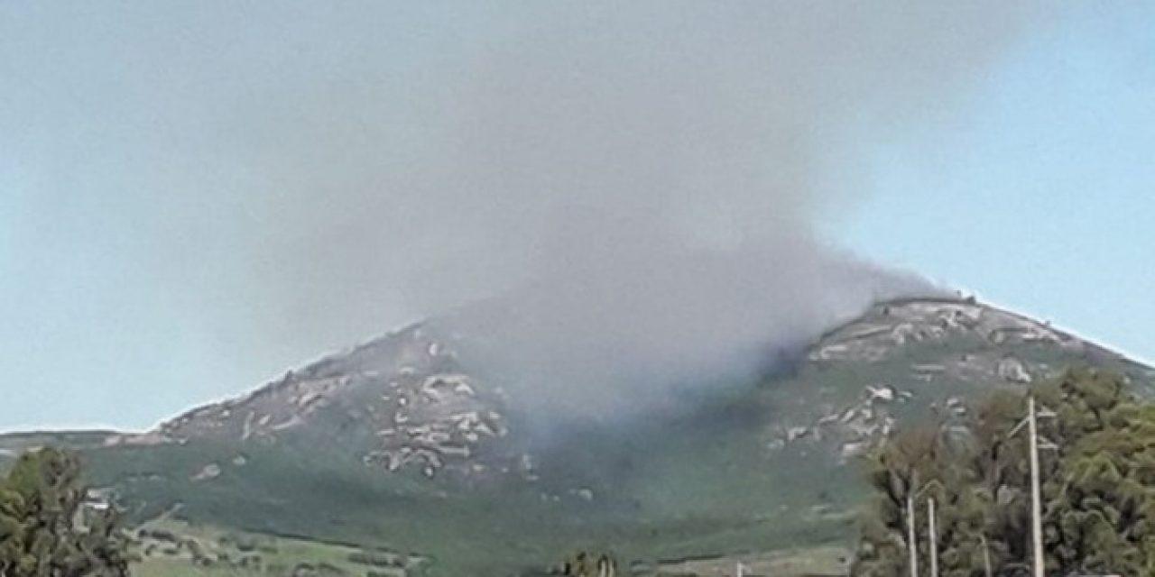 Incendio en Pan de Azúcar se encuentra a un kilómetro de la reserva