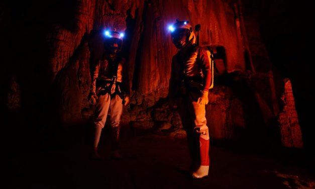 Turismo marciano en una cueva de Cantabria