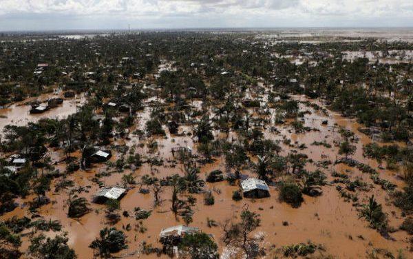 Mozambique registra más de 400 muertos por el paso del ciclón Idai